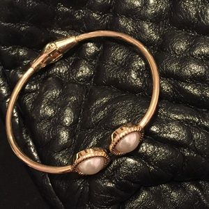 Jewelry - Gold Bangle with 2 single pearls at opening